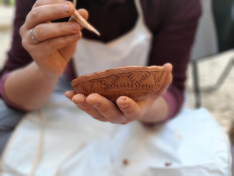 Workshop de cerâmica pré-histórica