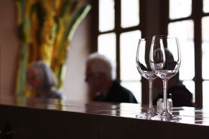 Wine-tasting-Loire1.jpg
