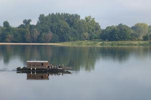 Loire boat .jpg