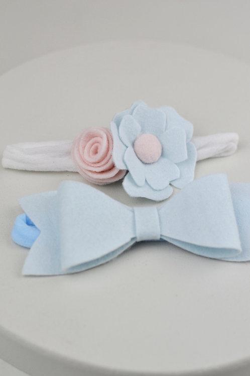 Conjunto de Flor e Laço Azul