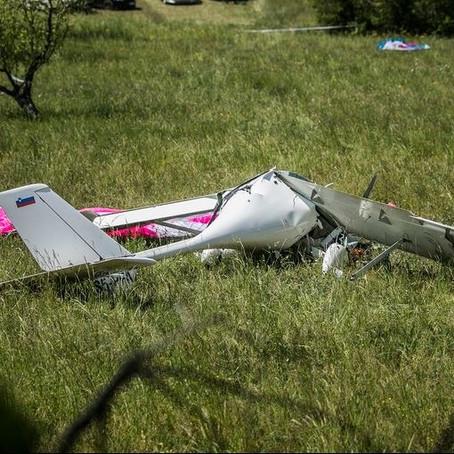 Avião colide com parapente em zona de NOTAM para voo livre.