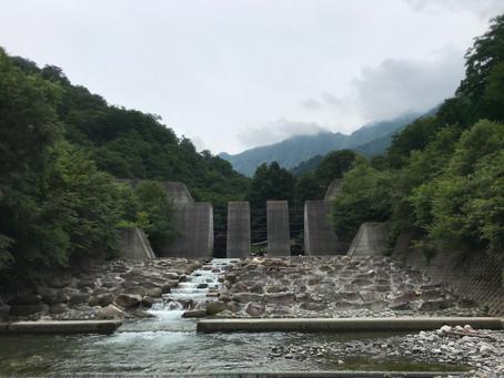 万太郎谷4号堰堤ハイキング