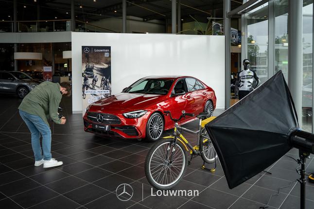 Dubbeldwars voor Louwman.nl in samenwerking met Team Qhubeka Assos en de nieuwe c klasse.