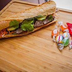 Nouveau-Bánh Mì au porc grillé (Sandwich Vietnamien)