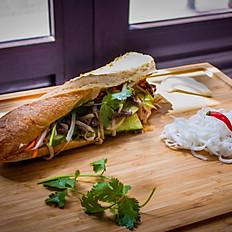 Nouveau-Bánh Mì au poulet (Sandwich Vietnamien)