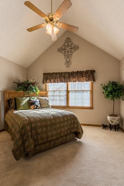 8001 Darnell - interior-19