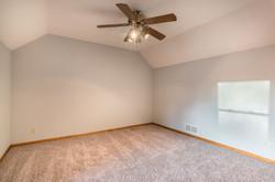 4831 Halsey - interior-16