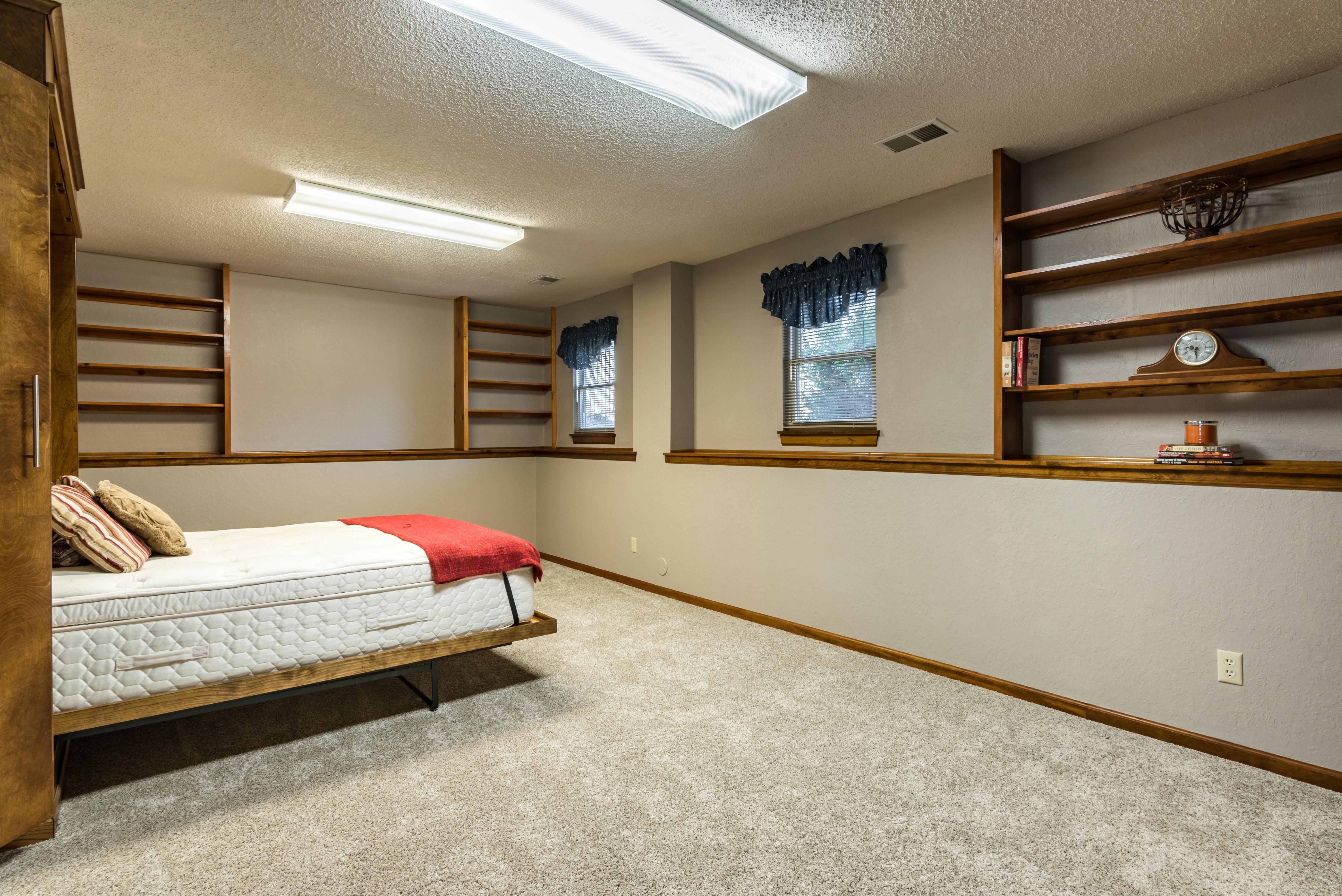 5020 Mullen Street, Shawnee - interior-14