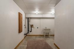 4831 Halsey - interior-10