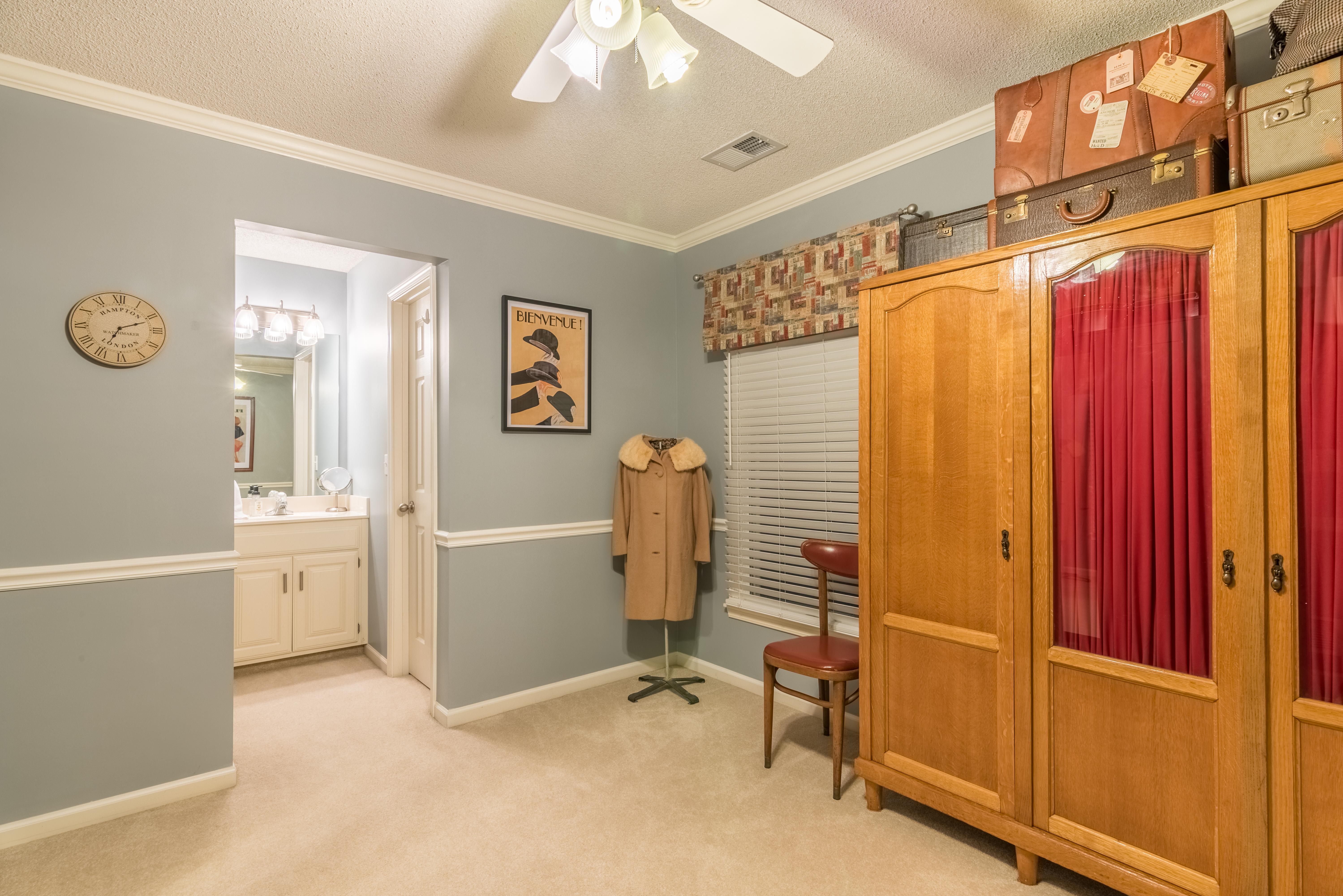 1002 W. 73rd St Shawnee interior-28