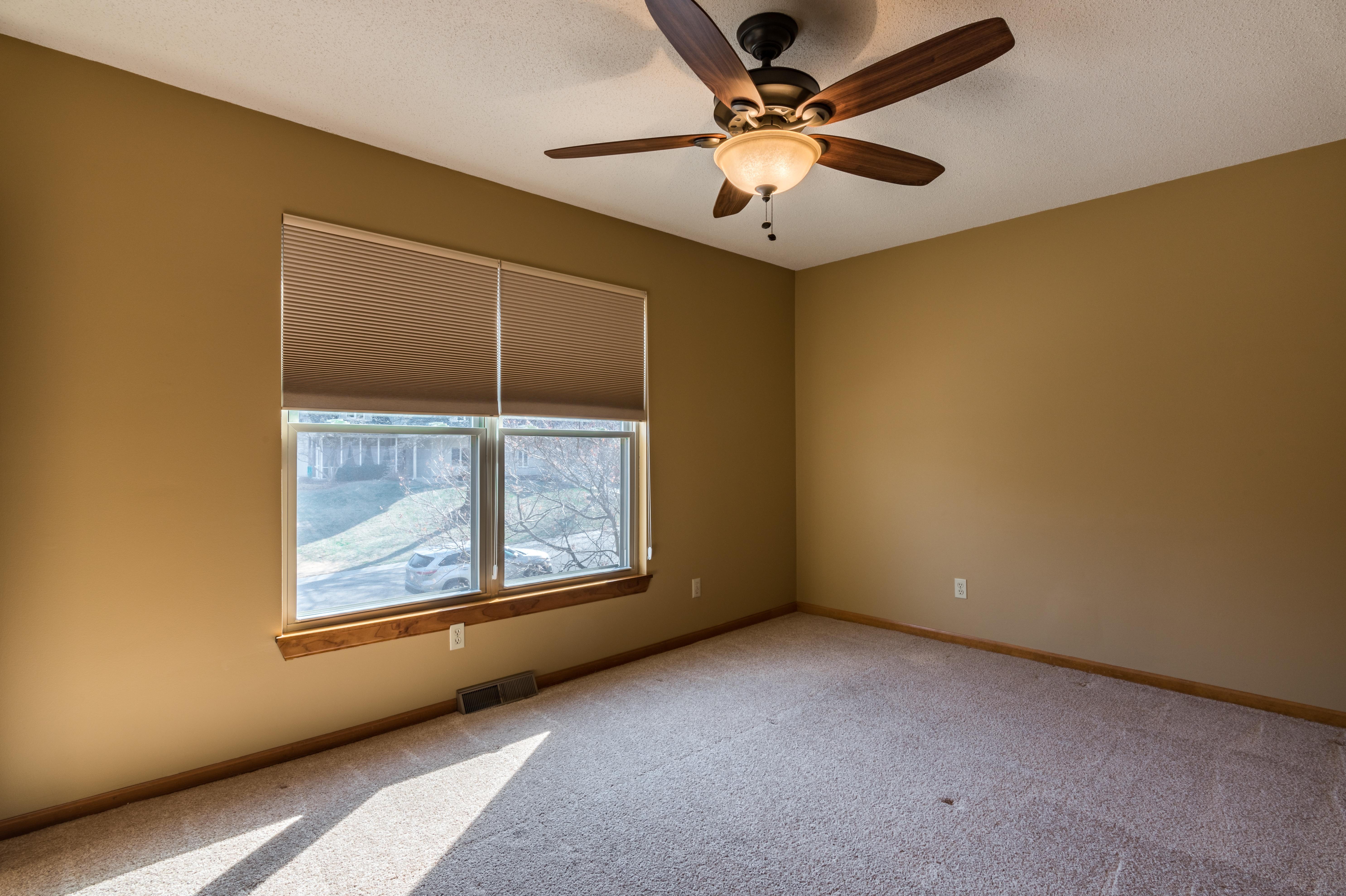 5020 Mullen Street, Shawnee - interior-12