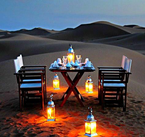 Dîner dans le désert