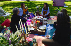 Boho Lounge Women's Circle