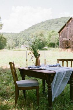 romantic table barn rustic