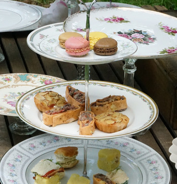 China Cake Stands and Tiered Stands