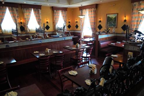 Entire Dinning Room .JPG
