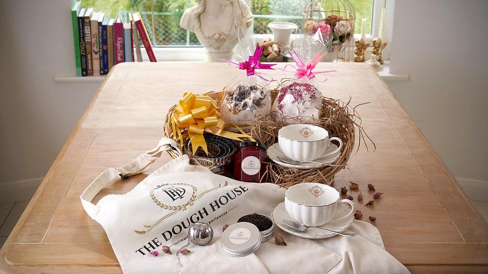 Cream Tea & Baking Gift Set Royal Crown