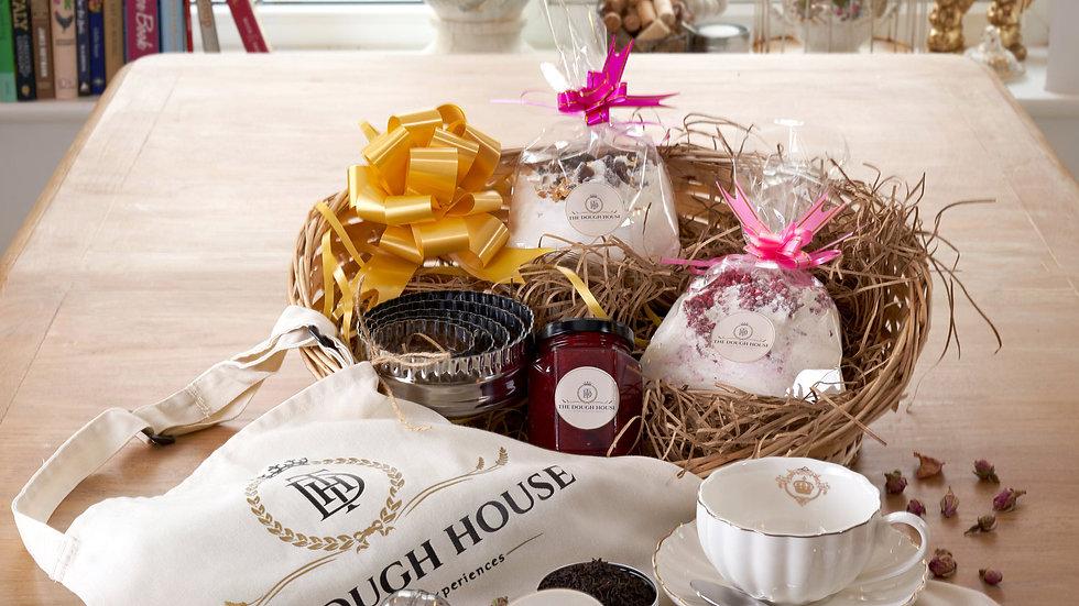 Cream Tea for 1 & Baking Gift Set Royal Crown