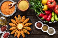 Turkish vegan food Mercimek Koftesi (len