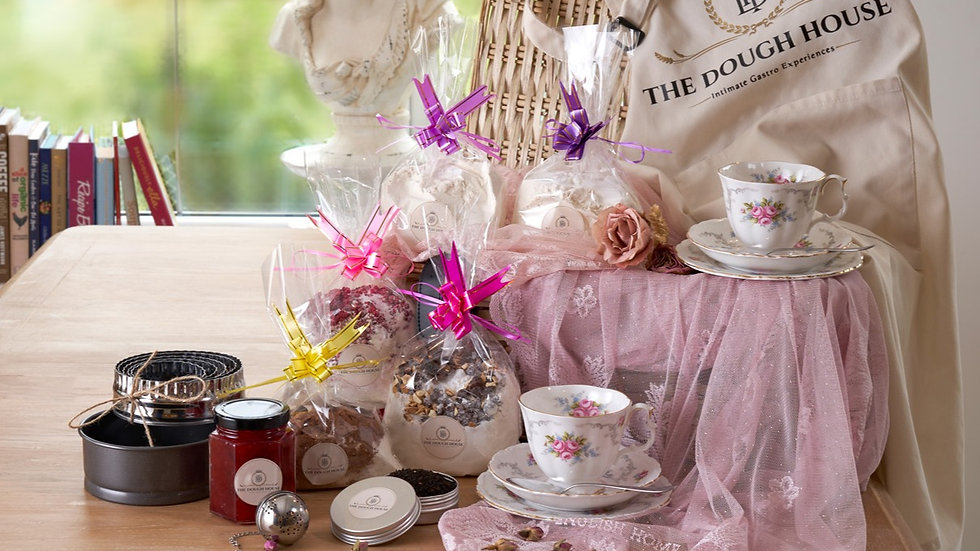 Afternoon Tea & Baking Gift Set Royal Albert