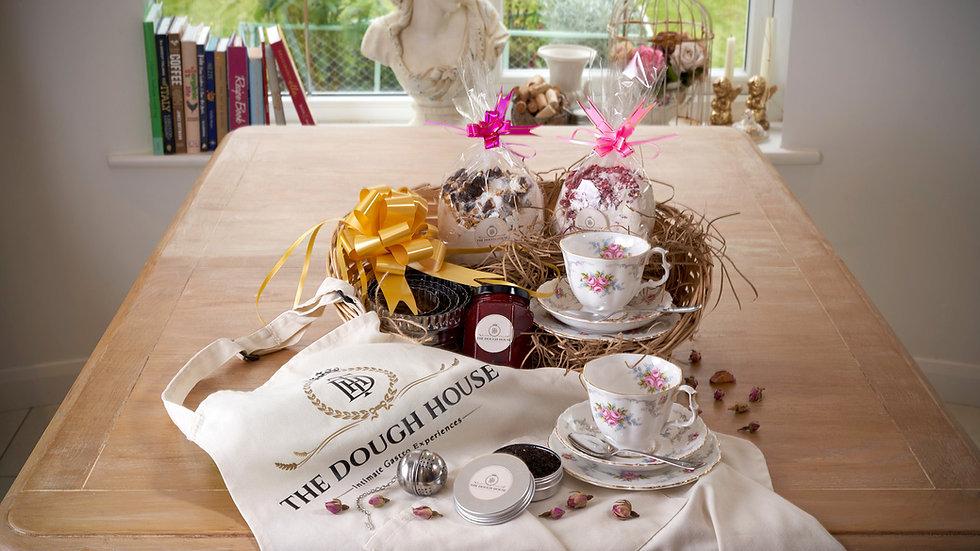Cream Tea & Baking Gift Set Royal Albert