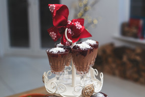 Cranberry chocolate and coconut pudding