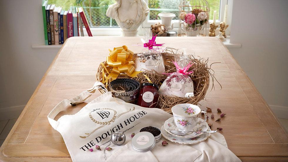 Cream Tea for 1 & Baking Gift Set Royal Albert