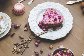 Rose & raspberry cake