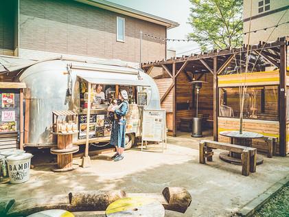 椿森コムナ 銀色のカフェBambi【飲食店】