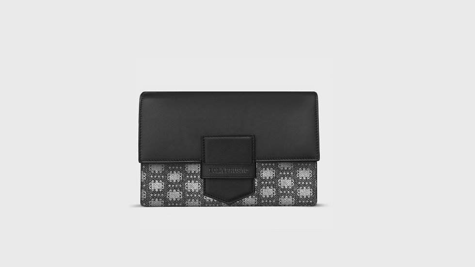 Eden flap clutch in wool and calfskin leather