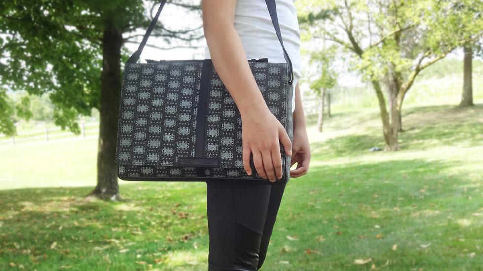 Lola Prusac Luca messenger bag