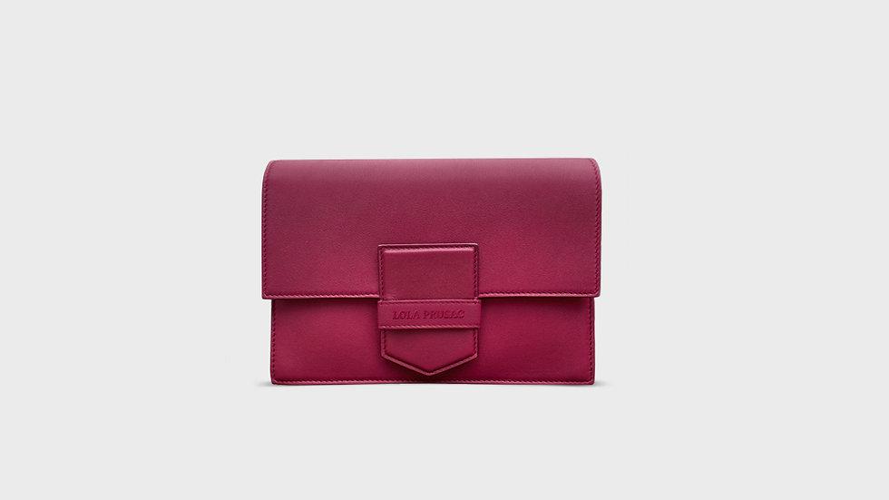 Eden flap clutch in calfskin leather