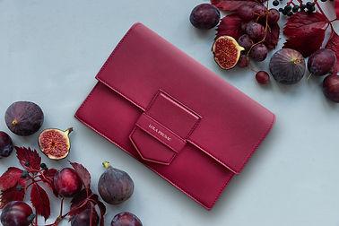 Lola-eden-bag-and-figs.jpg
