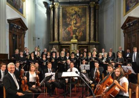 De strijkers uit Dilsen-Stokkem met Mozart in Maaseik en Duitsland!