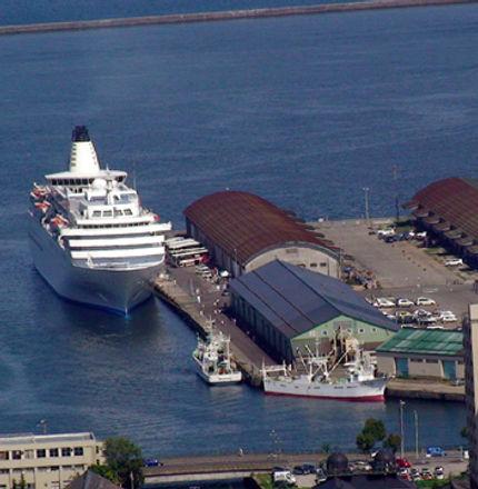 cruise passenger boat