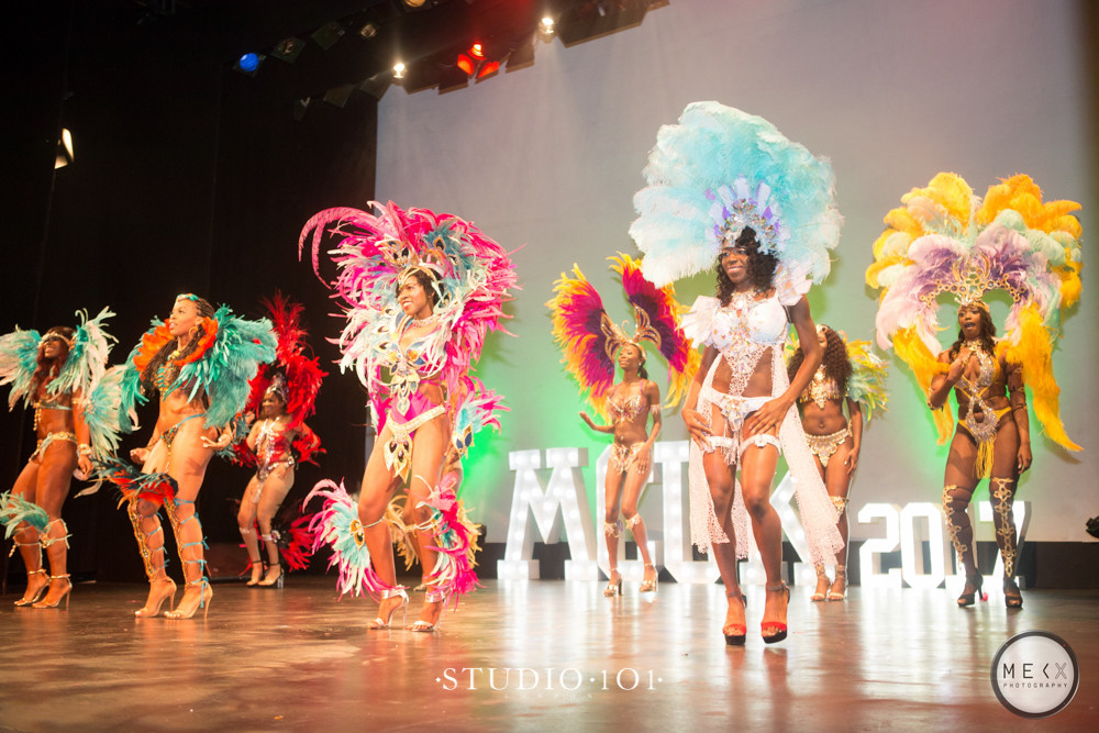 Photo by: Mekx @ Studio 101 - THE CARNIVAL ROUND