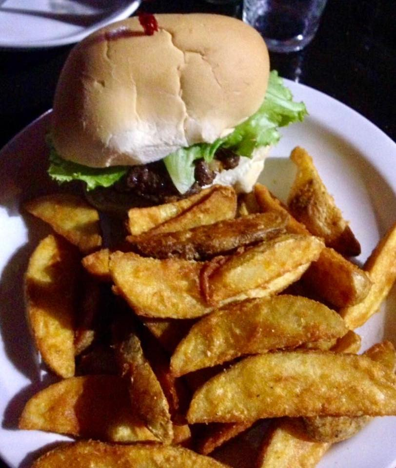 burger and wedges .jpg