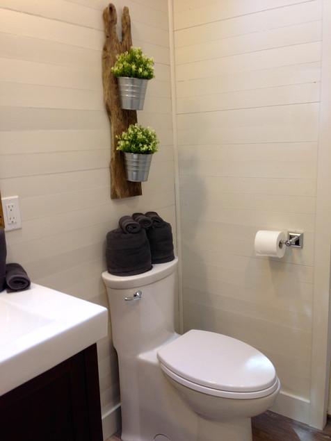 Bella Vista bathroom