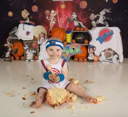 Space Jam cake smash