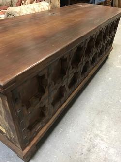 Reclaimed Wood Trunk