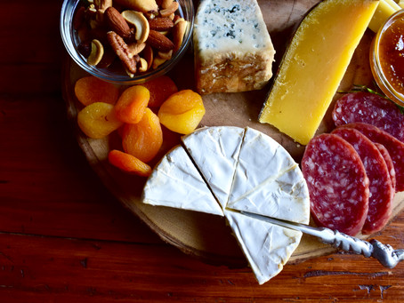 How to make a charcuterie and cheese board