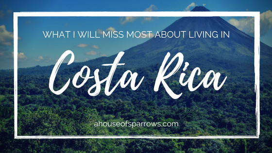 living in costa rica