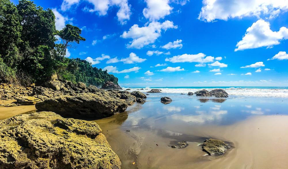beaches of Dominical Costa Rica