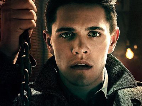 "RIVERDALE : CASEY COTT REAGIT À VOS VIDEOS ""FAN MADE""  !"