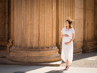 Kaori's Maternity Session in the Palace of Fine Arts
