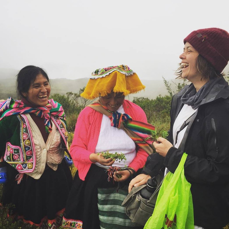 Ashli with weavers Roxana and Maria Magdalena, talking about medicinal and dye plants, during one of Mosqoy's field schools. Parobamba, Peru.