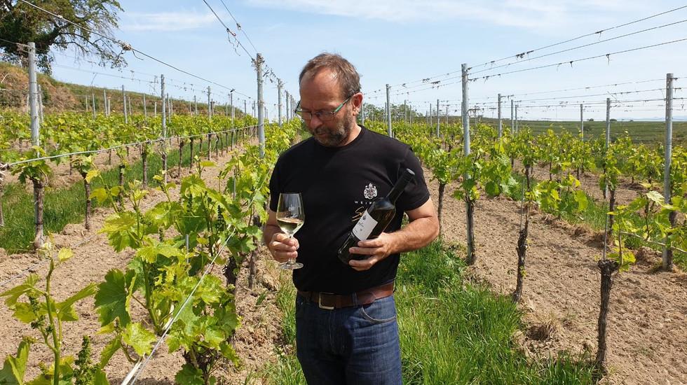 Thomas bei der Weinvorstellung Helios