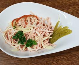 Wurstsalat mit Brot  - Löwenstrausse