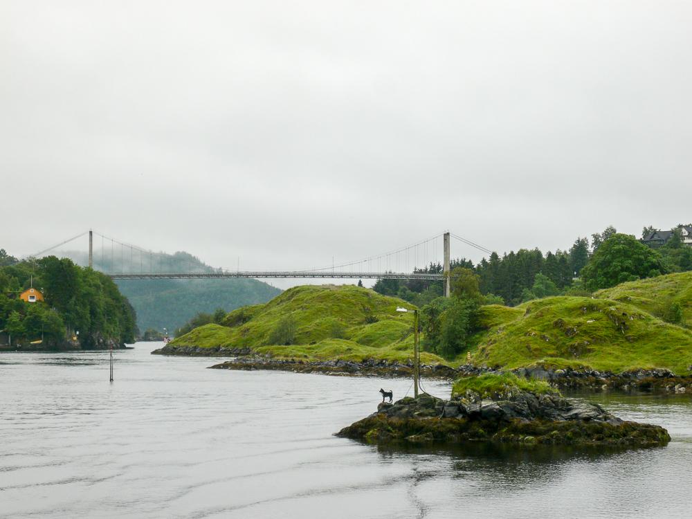 Outside Bergen, passing bridges