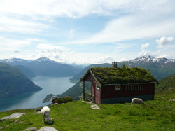 Hiking tour above Fjøra